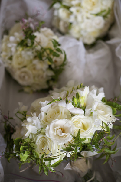 romantic_wedding_flowers_wild_rubus